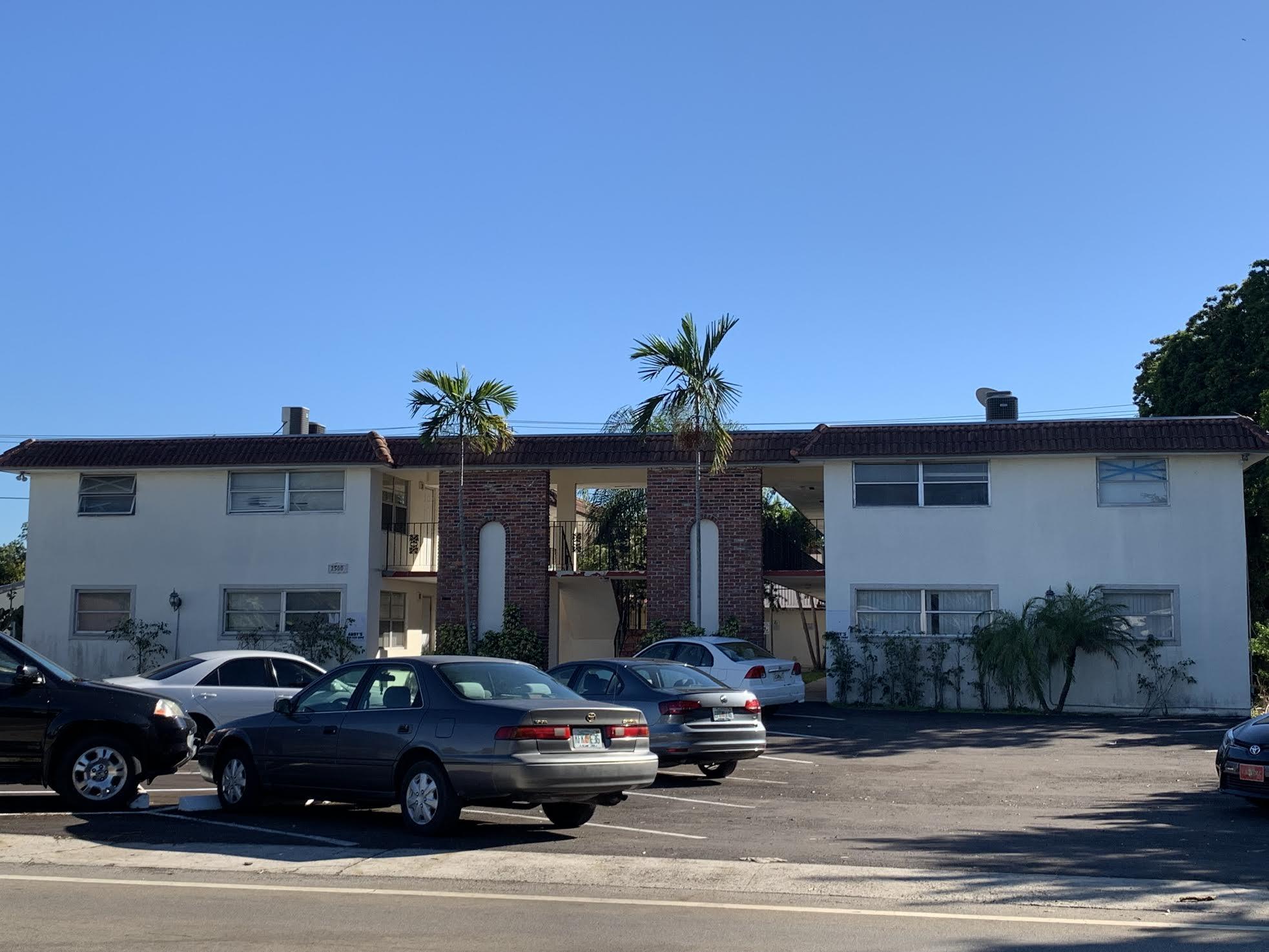 VENDU: 2500 Johnson immeuble de 19 appartments
